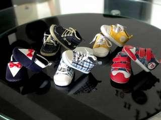 A bundle of Prewalker Baby Unisex shoes / boots