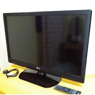 "32"" Widescreen LED HDTV"