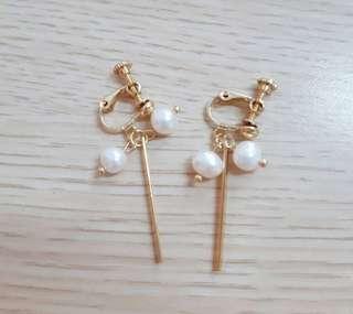 🚚 ♡現貨♡珍珠一字金屬條耳夾 無耳洞耳環
