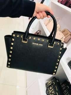 [black friday sale] Michael Kors Selma Handbag