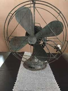 Antique GE Oscillating fan 18""