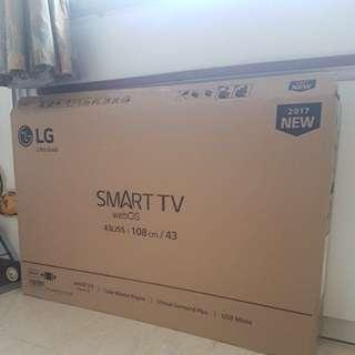 "43"" TV carton box in original packaging with styrofoam inside"