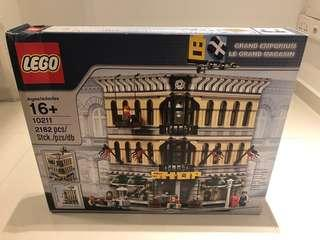 10211 GRAND EMPORIUM - Retired set (box not perfect condition)