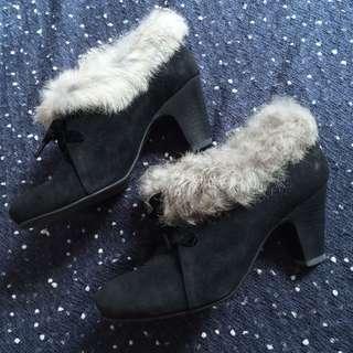 ✴️black boots 毛毛黑色 高跟 短靴
