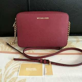 Michael kors jet set messenger