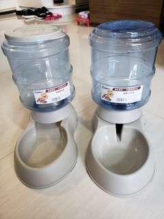 3.75 L 大容量飲水器+餵食器一套2個40元