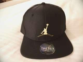 BNWT AIR JORDAN Black with Gold plated Metal Logo Snapback Cap
