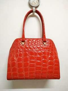 Chilli Red Made ln ltaly Genuine Patent Leather Corc Embossed Handbag