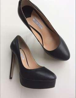 Tony bianco new black heels