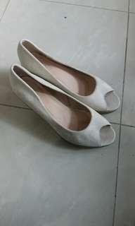 Beige heels open toe