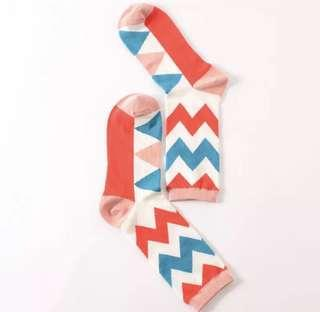 Brand new cute zig zag socks