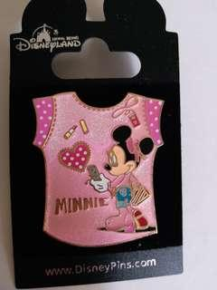 Disney pin 廸士尼徽章 minnie (包郵)