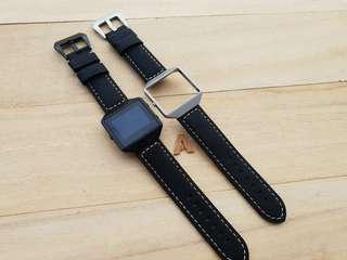 🚚 Quality Leather Strap Band Bracelet for Fitbit Versa and Fitbit Blaze