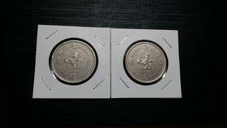 大SIZE 女皇1圓。1960年及1974年各一個,用過非全新但都算乾淨,size大過用緊嘅5蚊,睇下最後一幅圖作比較。