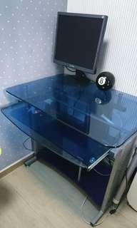 實惠牌鋼化玻璃電腦枱(90%new)