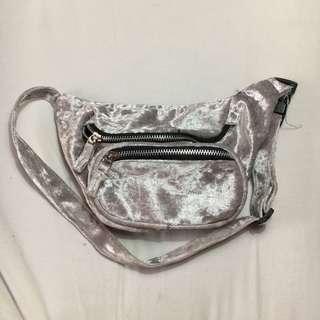 H&M WAIST BAG SILVER