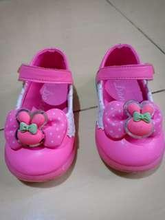 """Sepatu Anak """"Dans"""" Size 23 #BAPAU"""