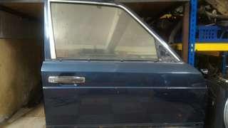 Pintu Mercedec W126