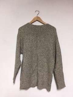 🚚 Uniqlo 女款 長版粗針織蓋到臀部上衣 米色 size s