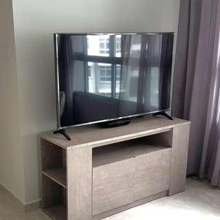 WELL-MAINTAINED TV CONSOLE