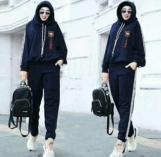 Setelan hijab vega  Hodie+List+Logo+Bhn Bebytery LD114 Pjg65 Lingkar Pinggang 70 sampai 106 Panjang 95 Fit-XXL  brt 0,50