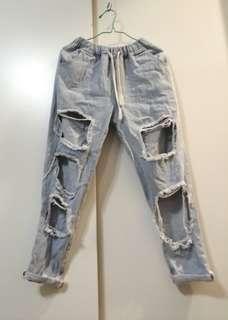 🚚 女生 女孩 長褲 褲子 牛仔褲 深藍色 九分褲 破洞 破洞褲 出清