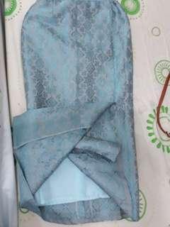 Rok Songket, baru bikin. Jual rugi krn gak jadi pakai. Warna biru pupus. Bagusss bgt aslinya. cocok juga buat yg hijab, krn belahan tertutup furing