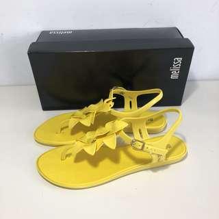 🚚 Melissa 香香鞋 巴西尺寸38(Mel 櫻花繽紛T字帶夾腳平底涼鞋-黃色)
