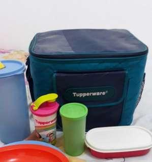 Tupperware. Picnic bag, 3 tumbler, 1 kotak oval. kondisi 99%