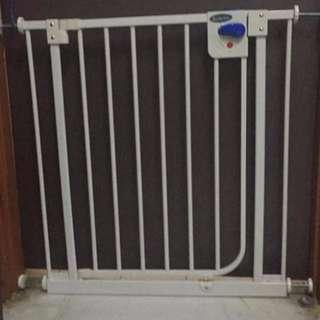 Lucky Baby Swing Back Safety Gate