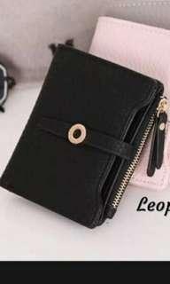 Dompet kecil hitam