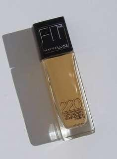 Maybelline Fit Me Foundation Matte and Poreless SHADE 220