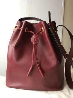 Cartier de Must Bordeux Bucket Bag