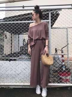 🚚 [BACK IN DEMAND] Simply Basic 2pcs Slit Set in Brown