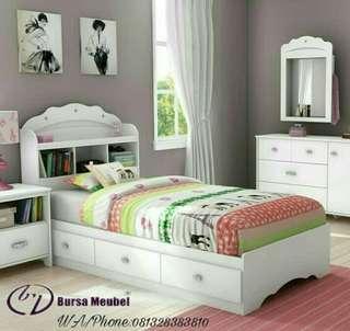 Set Kamar Tidur Putih
