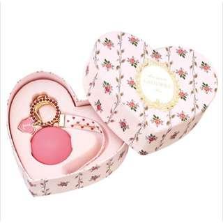 🚚 LADUREE 限定版鑰匙圈心型玫瑰盒單顆馬卡龍