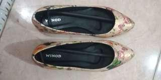 Sepatu flat winod