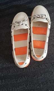 Crocs shoes w7