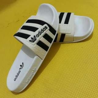 Unisex Adidas Slippers (White)
