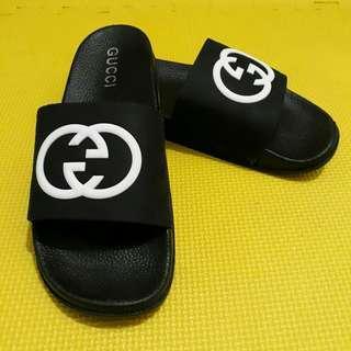 Unisex Gucci Slippers (Black)