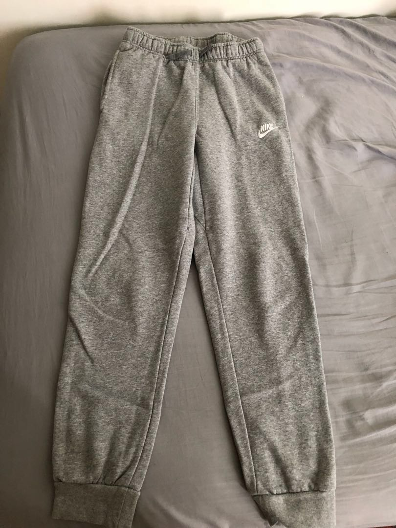 cbafb7d2 $60 Nike Sweatpants Grey Joggers, Men's Fashion, Clothes, Bottoms on  Carousell