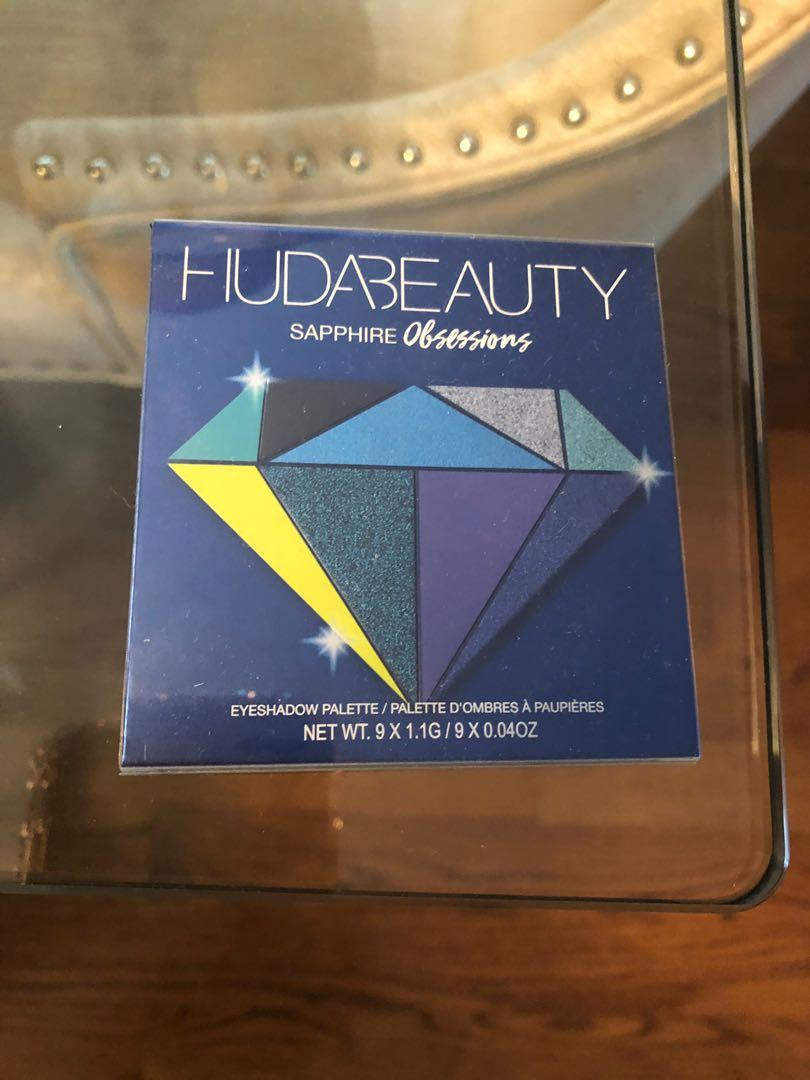 Brand new Huda Beauty Eyeshadow Palette