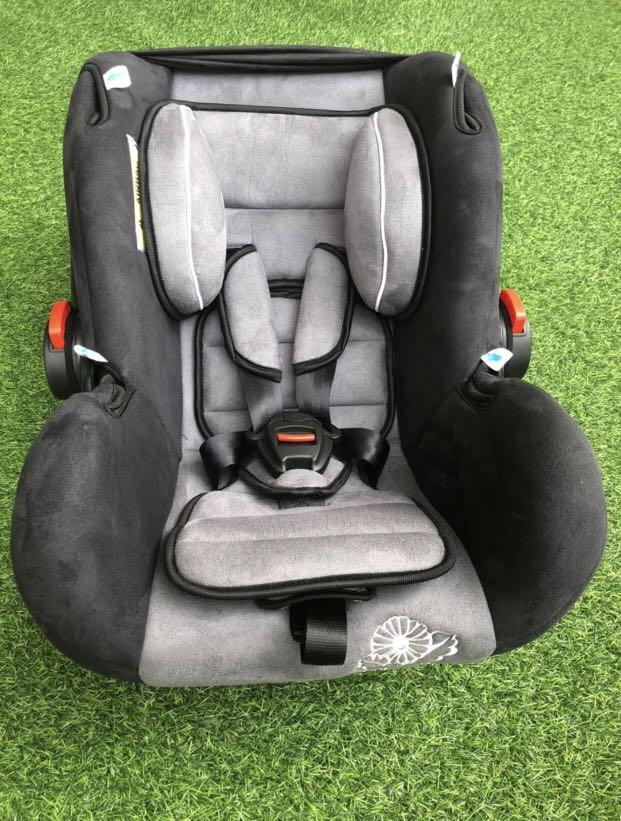 Car Seat Fabulous Mom Great Condition 0-12m
