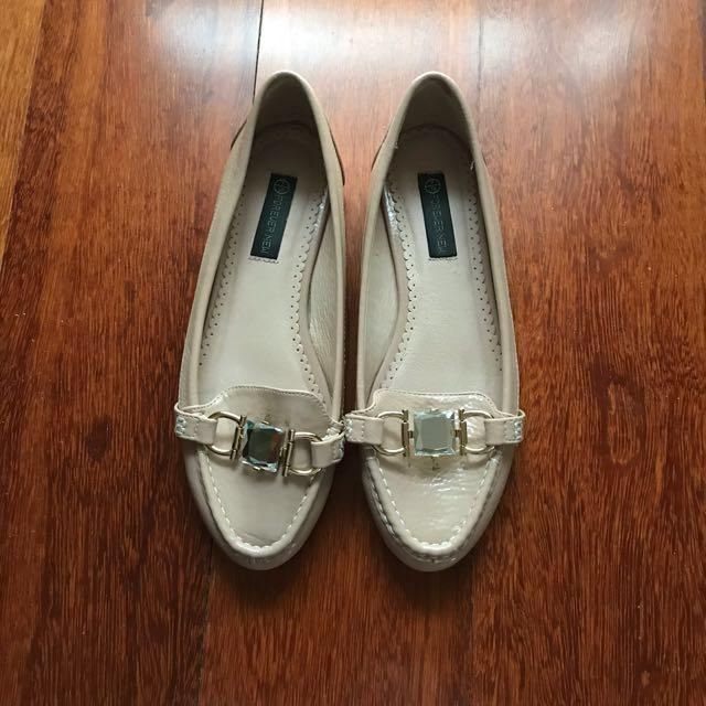Forever New Nude Flats / Loafers