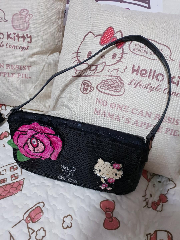 0b6bfcc3e Hello Kitty Cheche New York Sling Bag, Everything Else on Carousell