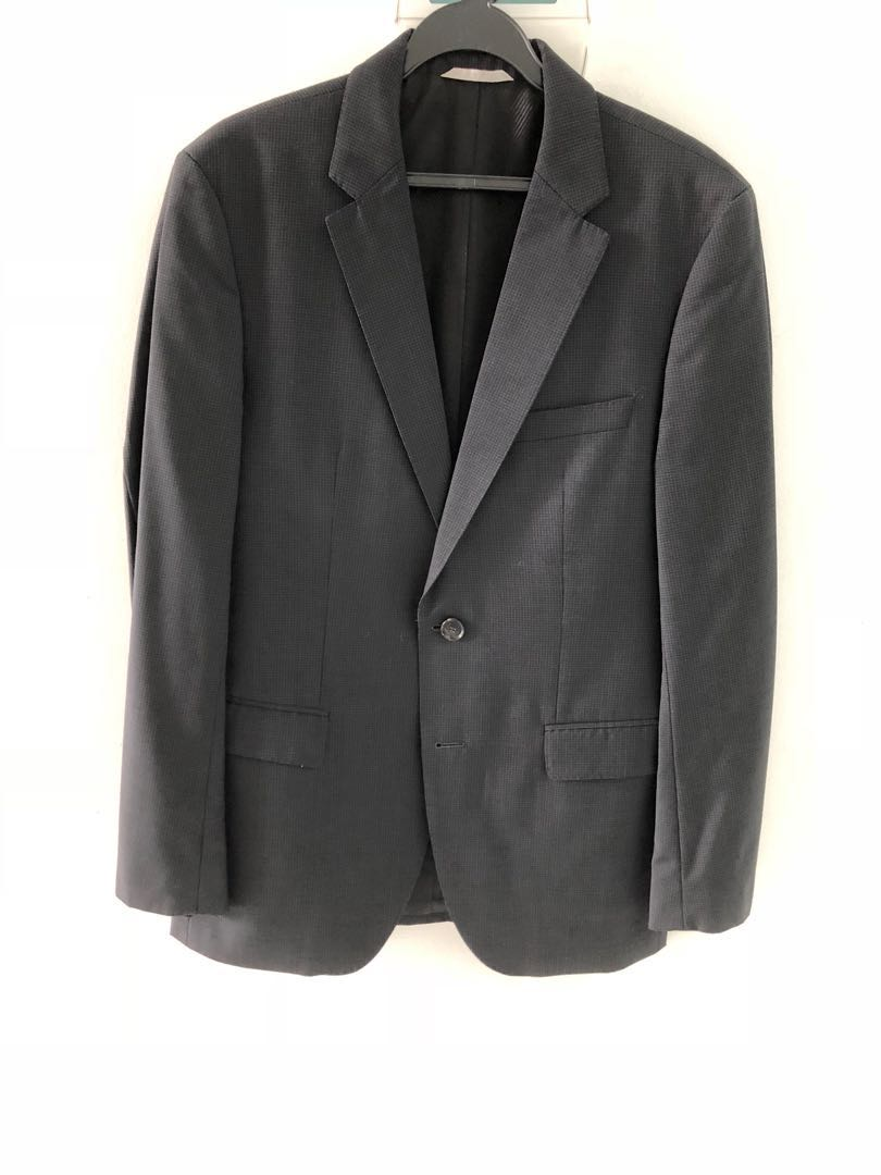 0a0914c78d Hugo Boss Suit, Men's Fashion, Clothes, Outerwear on Carousell