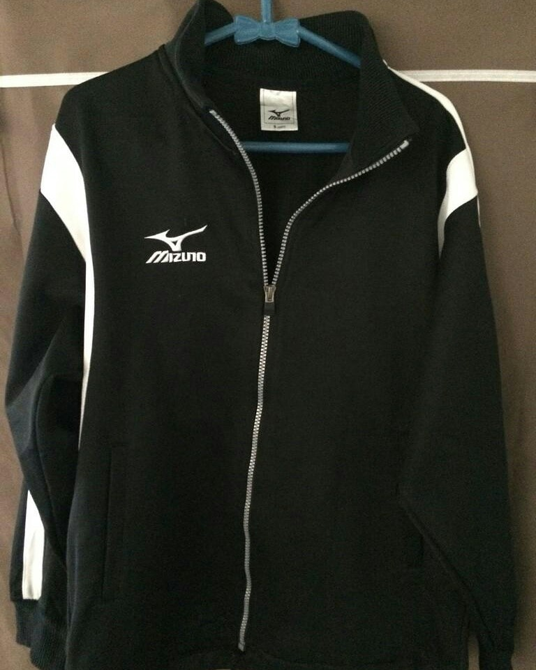 c9c016db86495 Jaket tracktop mizuno, Men's Fashion, Men's Clothes, Tops on Carousell