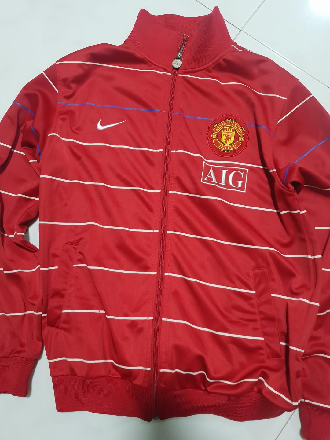 best website 5ac3e 08229 Manchester United Jacket, Men's Fashion, Clothes, Tops on ...