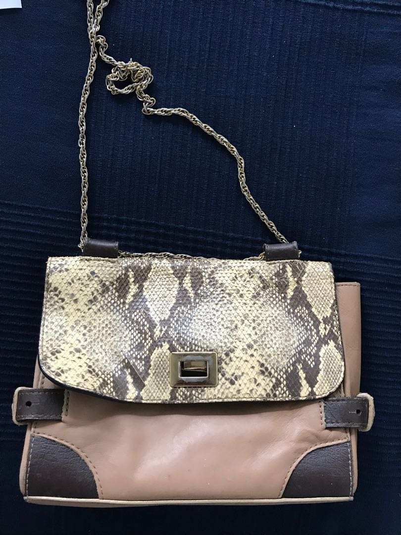 f10eef8ee3f Massimo Dutti Bag with Golden Chain