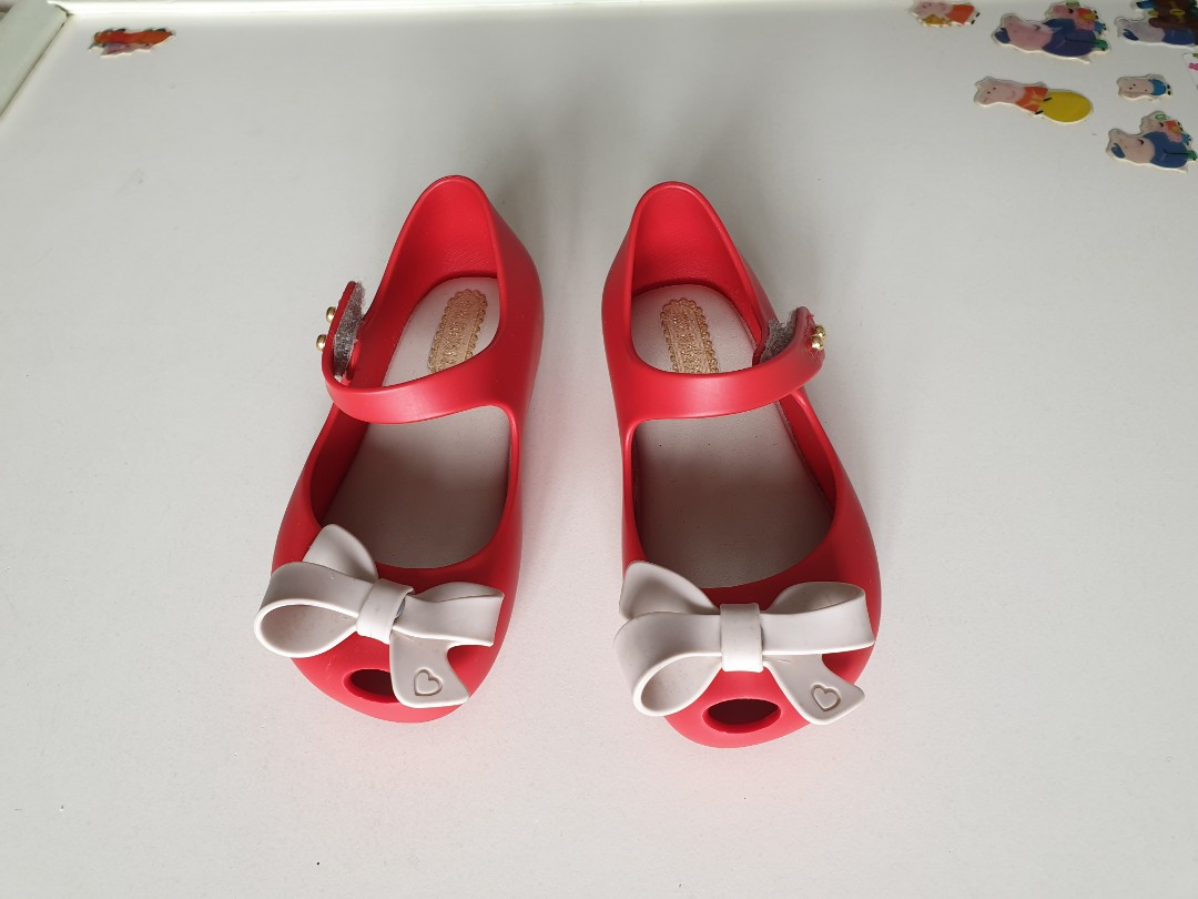 0d60f2148a133 Mini Melissa Shoes for kids children
